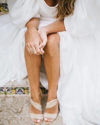 Hoy estamos muy A TOPE! 🙌🏻 🙌🏻 No sólo porque es viernes, sino porque hemos salido en el blog de @lachampanera!! 💥💥 Corred a su blog si queréis conocer un poquito más sobre nuestro trabajo!! 🥰 Gracias Ana por recomendarnos y por tus maravillosas palabras! ✨ 🧡 Que disfrutéis del finde!! @diasdevinoyrosas 📸 #loveatope #weddings & #lifestyle⠀⠀⠀⠀⠀⠀⠀⠀⠀ ·⠀⠀⠀⠀⠀⠀⠀⠀⠀ Today we are over the moon! 🙌🏻🙌🏻 Not only because it's Friday, but also because Love a tope appears on @lachampanera 's blog! 💥 💥 Go to her blog if you want to know a little bit more about our work! 🥰 Thank you Ana for recommending us and for your wonderful words! ✨ 🧡 Enjoy the weekend! @diasdevinoyrosas 📸 #loveatope #weddings & #lifestyle